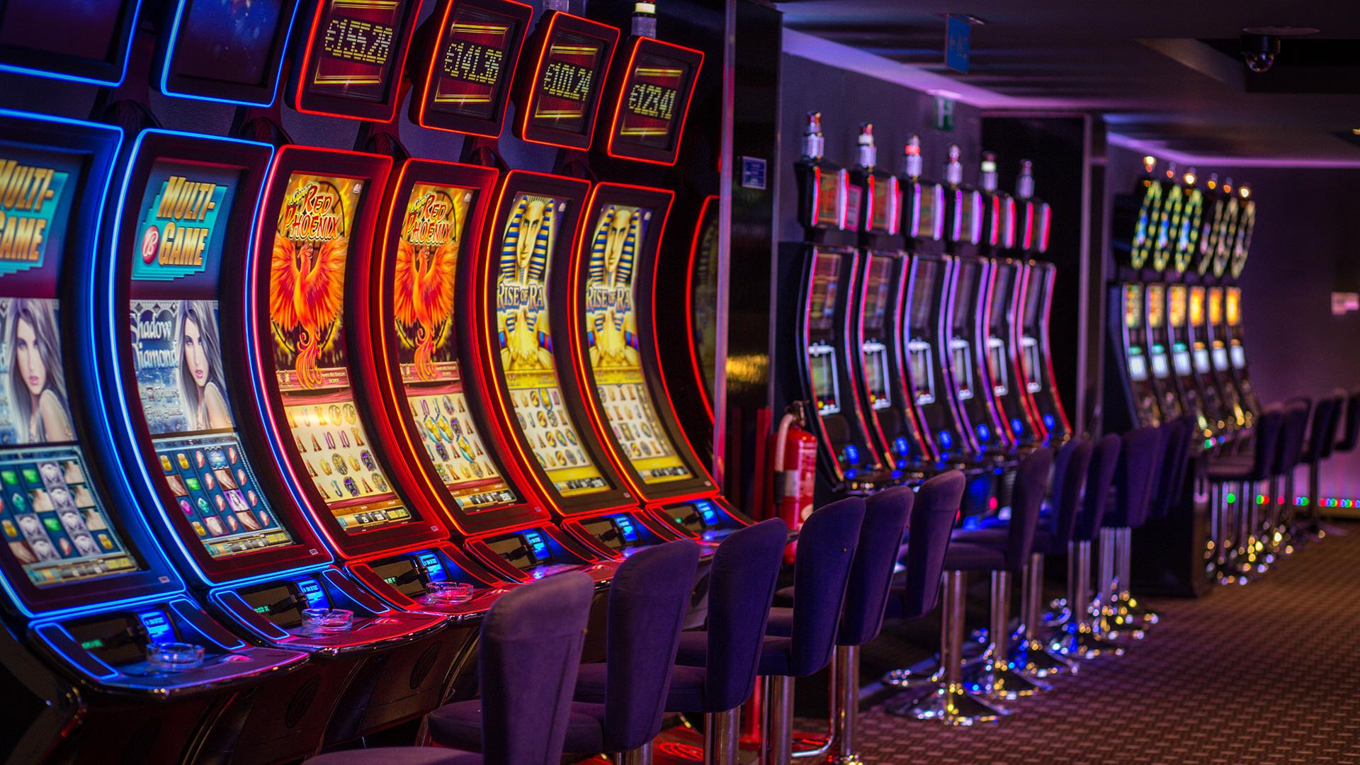 Игровые автоматы играть на деньги клуб